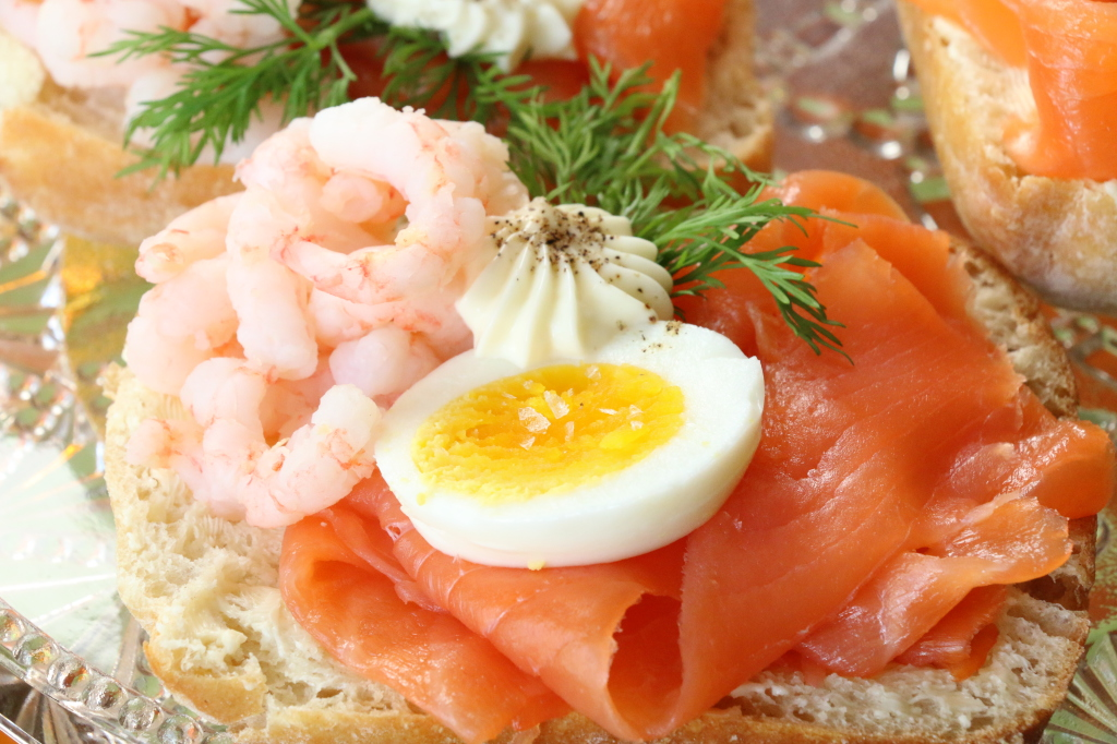 good salmon egg and shrimp