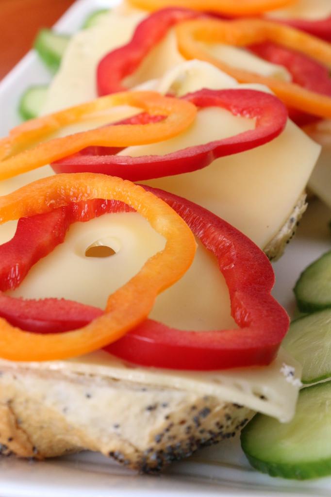 jarlsberg smorrebrod with peppers
