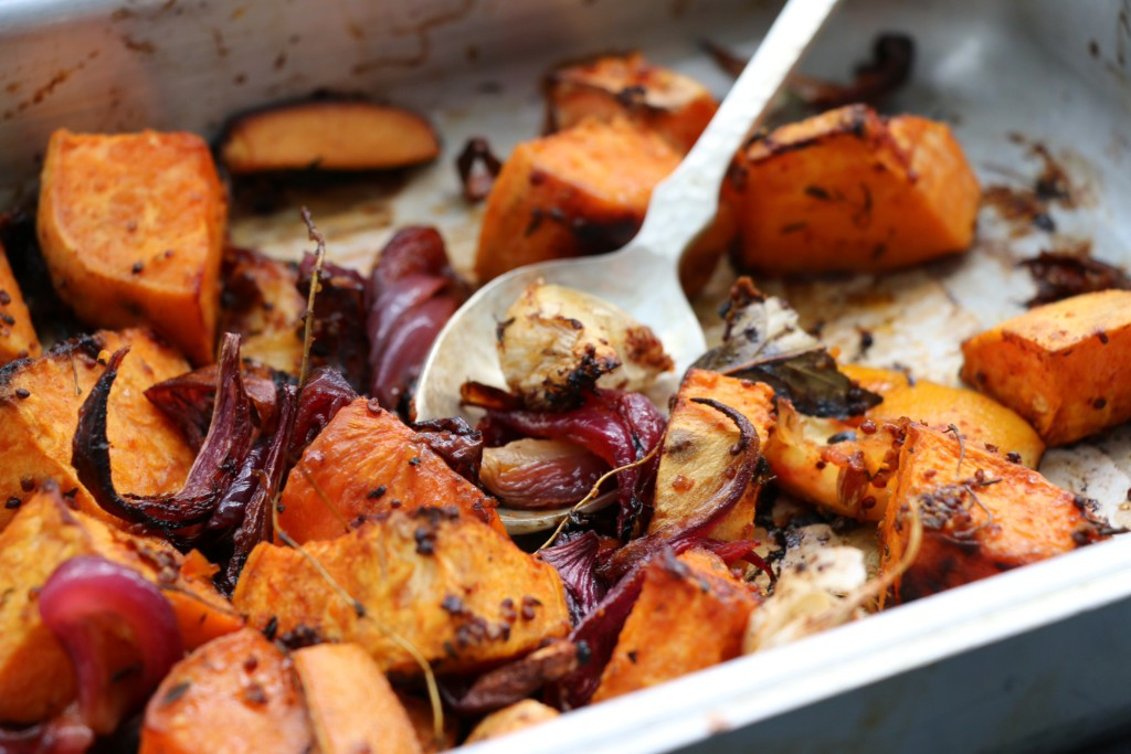 roast vegetables with thyme and garlic