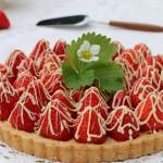LDonohueCrumbsonthetableWholeStrawberry Tart