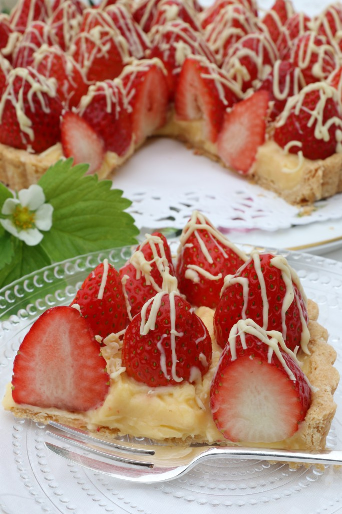 STRAWBERRY TART WITH WHITE CHOCOLATE and CREME PATISSIERE