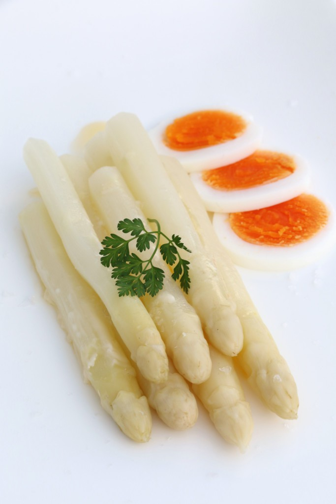 White asparagus Scandi style with boiled egg