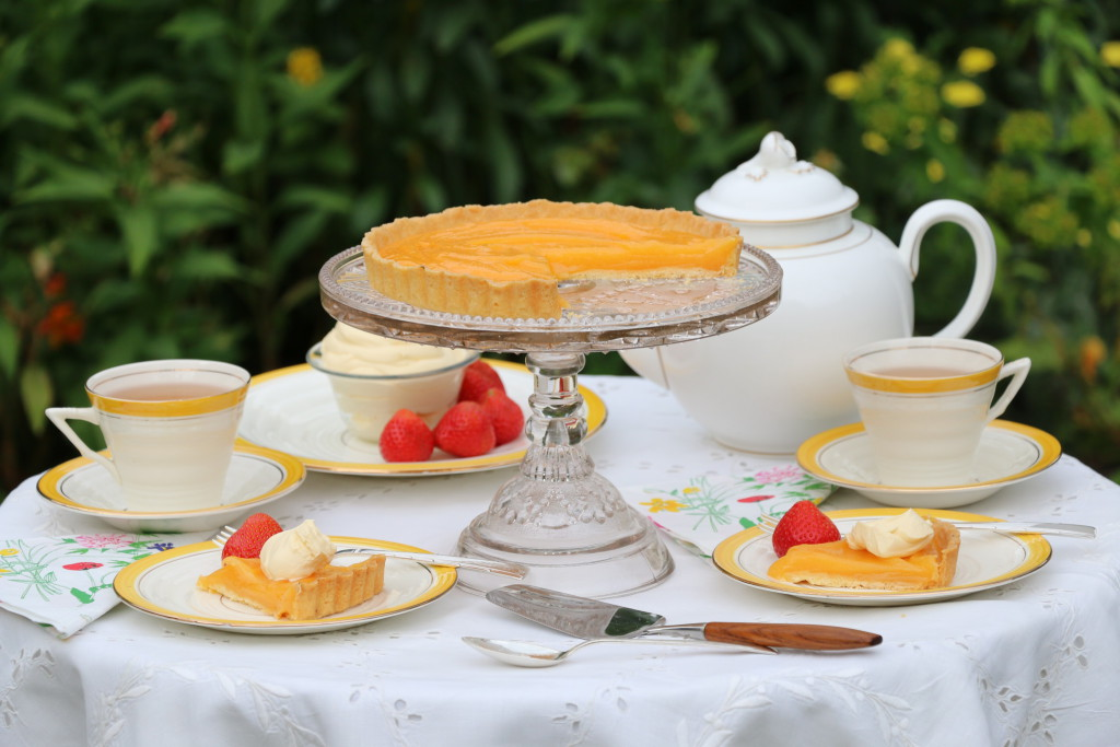 lemon-curd-tart-tea-table