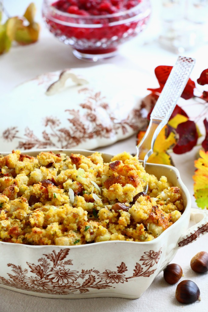 laura-donohue-crumbsonthetable-cornbread-stuffing